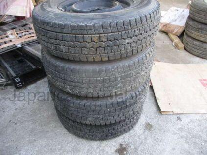 Зимние шины Dunlop 195/80 15 дюймов б/у во Владивостоке
