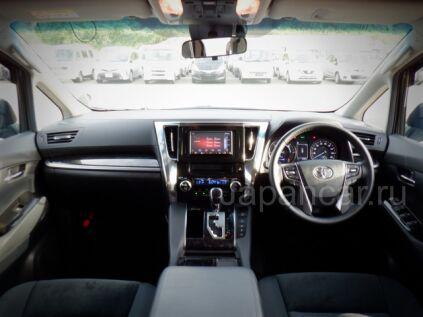 Toyota Alphard Hybrid 2018 года во Владивостоке